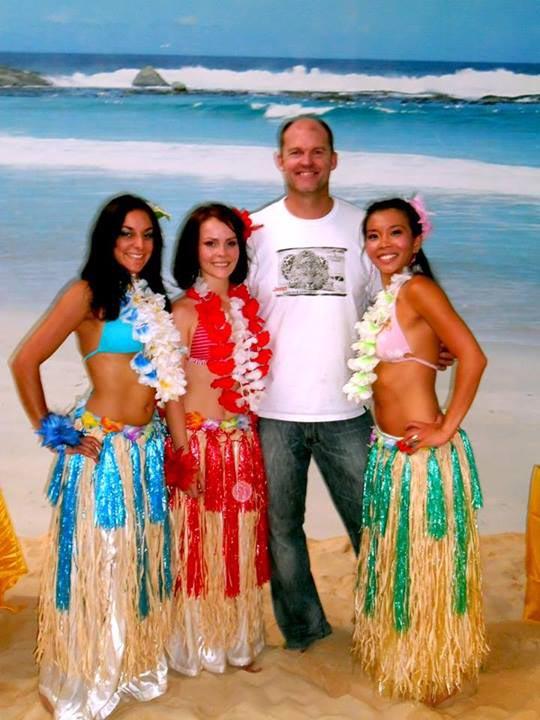 Hula Dancers - 025