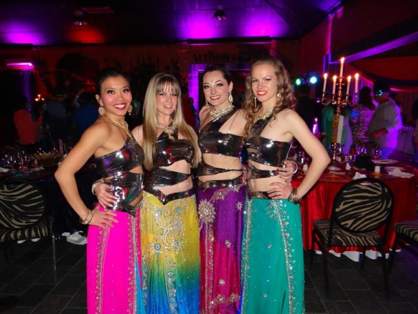 Bollywood Dancers - 044