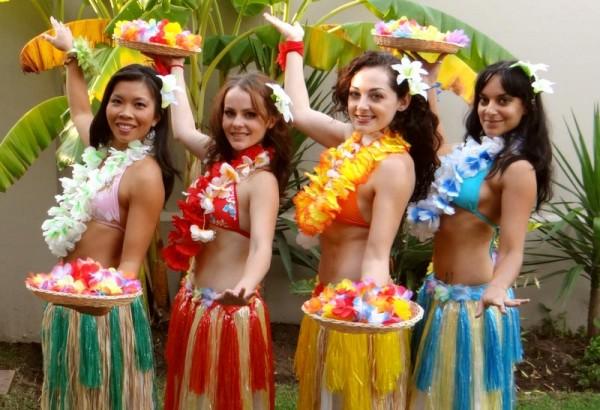 Hula Dancers - 082